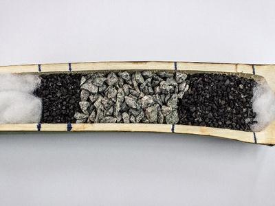Os materiais utilizados para a produção do filtro, com o bambu, são a manta filtrante, carvão ativado e pedras britas..jpeg
