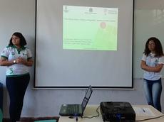 Flávia Emanuelle Freitas e Laura Layne Pinheiro contaram sobre o envolvimento entre ciência e ficção, desenvolvido como prática didática do projeto Cineciência – Arte e Ciência.jpg